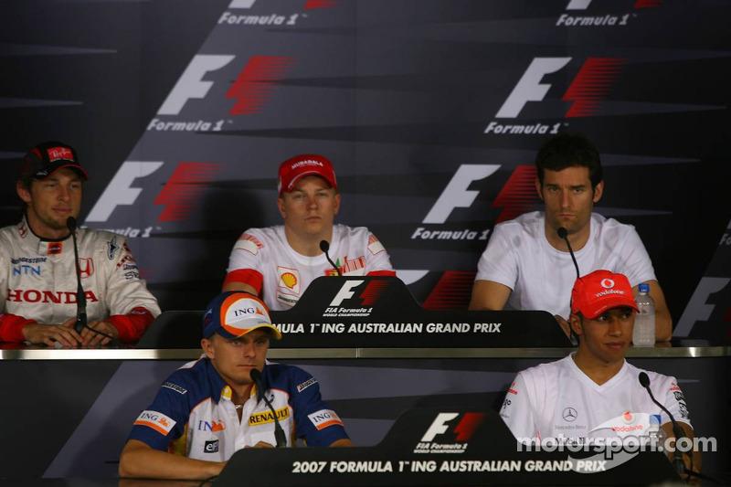 Jenson Button, Honda Racing F1 Team, con Heikki Kovalainen, Renault F1 Team, Kimi Raikkonen, Scuderi