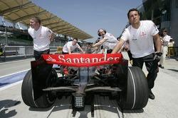 Fernando Alonso, McLaren Mercedes pushed back