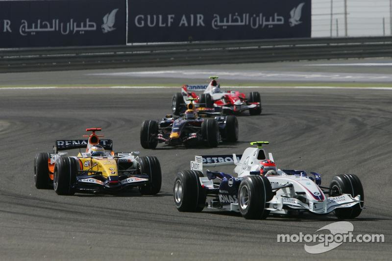 Robert Kubica, BMW Sauber F1 Team, F1.07 and Giancarlo Fisichella, Renault F1 Team, R27