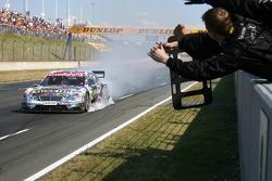 Paul di Resta, Persson Motorsport AMG Mercedes, AMG Mercedes C-Klasse, taking 2nd place
