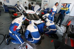 Peugeot Total team members at work