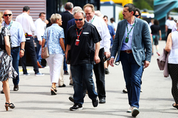 Gene Haas, Président de Haas Automotion avec Gunther Steiner, Haas F1, Team Prinicipal