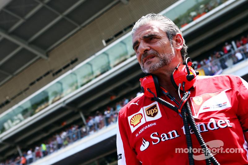 Maurizio Arrivabene, Ferrari Takım Patronu gridde