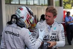 Lewis Hamilton, Mercedes AMG F1 felicita a Nico Rosberg, Mercedes AMG F1