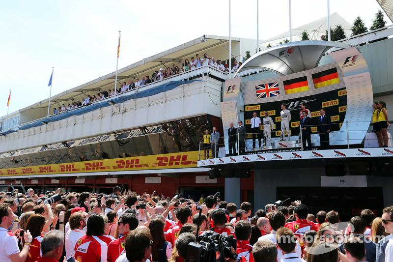 Das Podium: 2. Lewis Hamilton, Mercedes AMG F1; 1. Nico Rosberg, Mercedes AMG F1; 3. Sebastian Vettel, Ferrari