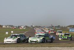 Santiago Mangoni, Laboritto Jrs Torino,和Emiliano Spataro, UR道奇车队,以及Mauro Giallombardo, Maquin Parts福