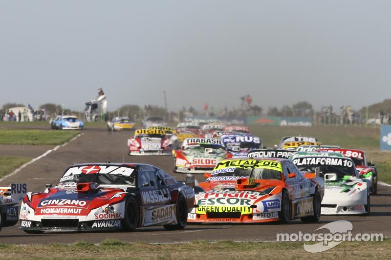 Matias Rossi, Donto Racing, Chevrolet; Jonatan Castellano, Castellano Power Team, Dodge, und Santiag