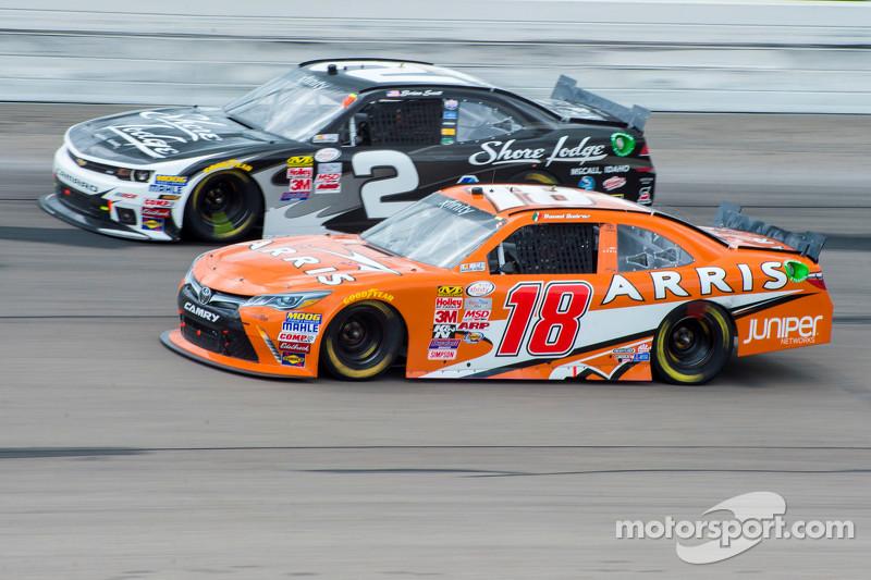 Daniel Suarez, Joe Gibbs Racing, Toyota, und Brian Scott, Richard Childress Racing, Chevrolet