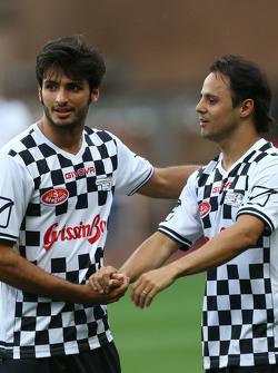 (I a D): Carlos Sainz Jr. Scuderia Toro Rosso y Felipe Massa Williams en el partido de fútbol a beneficio