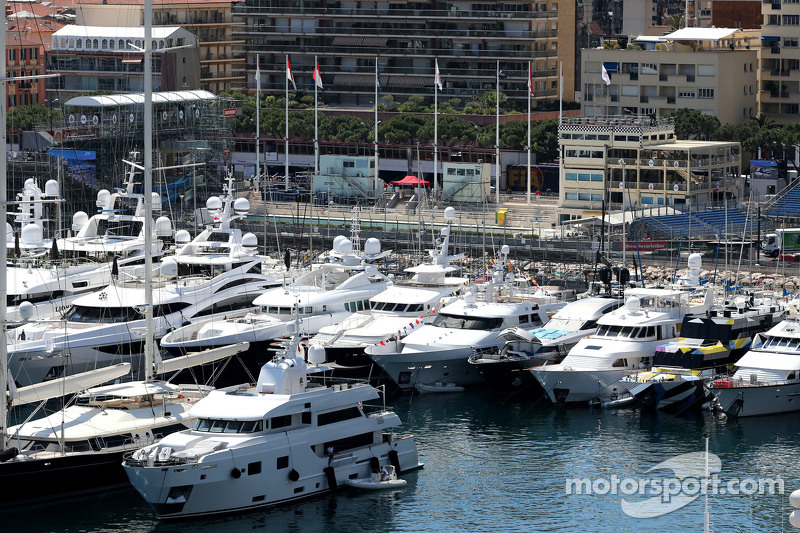 Monaco атмосфера