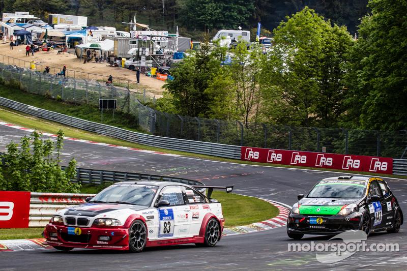 #83 Hoдля-Racing BMW M3 CSL: Martin Kroll, Michael Kroll, Ronny Tobler, #143 MSC Sinzig e.V. im ADAC Renault Clio: Rolf Weissenfels, Dietmar Hanitzsch