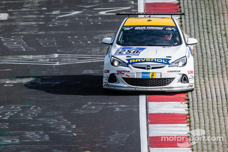 #250 Team Schirmer, Opel Astra OPC Cup: Volker Strycek, Markus Oestreich, Moritz Oestreich, Robin Strycek
