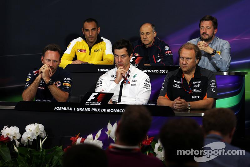 FIA-Pressekonferenz: Cyril Abiteboul, Geschäftsführer Renault Sport F1; Franz Tost, Teamchef Scuderia Toro Rosso; Paul Hembery, Pirelli-Sportchef; Christian Horner, Teamchef Red Bull Racing, und Toto Wolff, Mercedes-Sportchef
