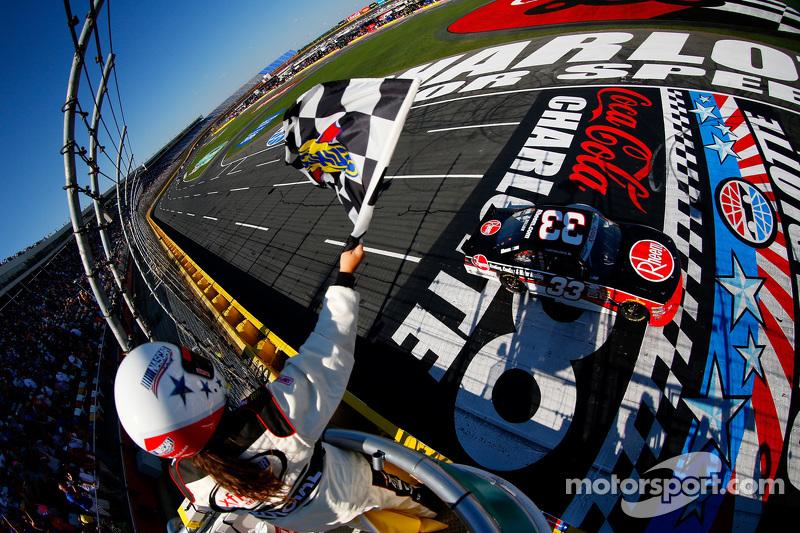 Austin Dillon, Richard Childress Racing Chevrolet meraih kemenangan