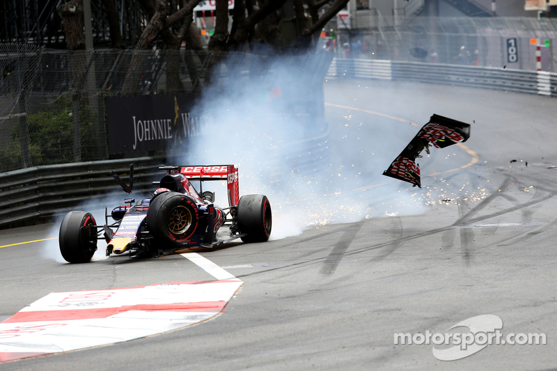 Max Verstappen, Scuderia Toro Rosso accidente con Romain Grosjean, Lotus F1 Team