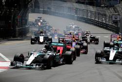 El inicio de la carrera, Lewis Hamilton, Mercedes AMG F1 Team