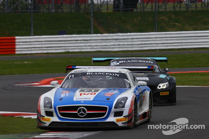 #71 GT Russian Team Mercedes SLS AMG GT3: Alexey Vasilyev, Марко Асмер
