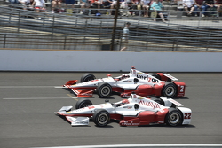 Juan Pablo Montoya, Team Penske Chevrolet and Simon Pagenaud, Team Penske Chevrolet