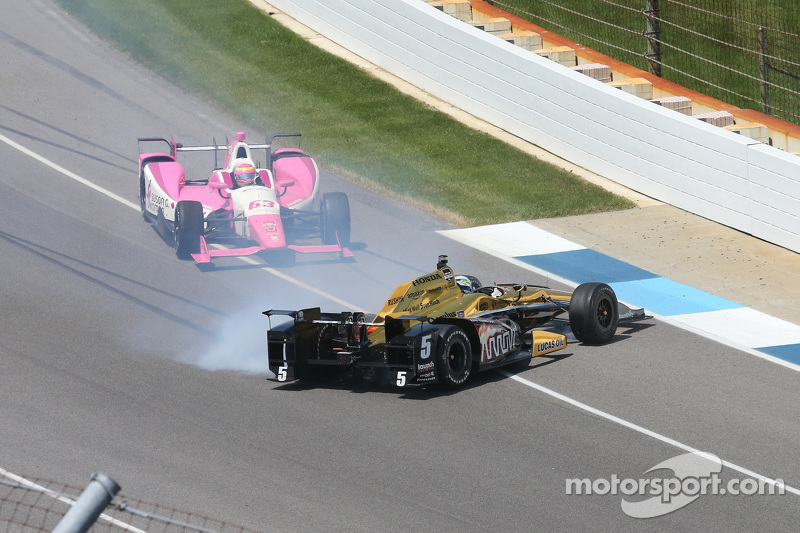 Ryan Briscoe, Schmidt Peterson Motorsports, Honda, mit Dreher