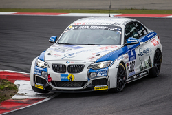 #302 Sorg Rennsport BMW 235i Racing: Anders Fjordbach, Philipp Leisen, Томас Ягер (2)