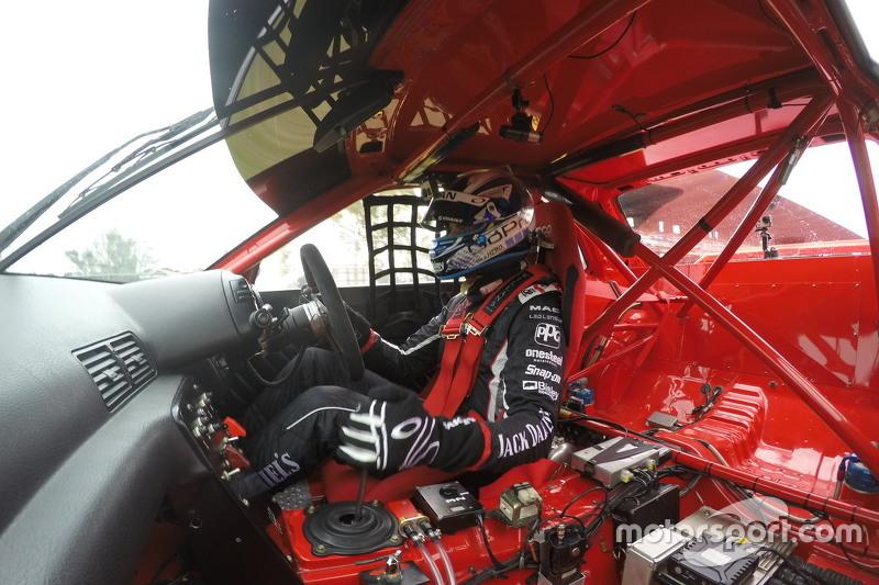 Rick Kelly drives the 1992 Nissan Skyline GTR