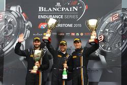 Podium: racewinnaars Shane van Gisbergen, Robert Bell, Kevin Estre