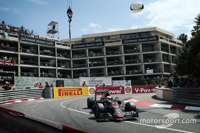 Jenson Button, McLaren MP4/30 (2015)