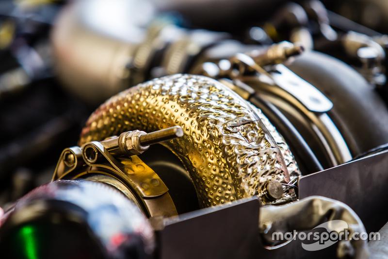 #22 Nissan Motorsports, Nissan GT-R LM NISMO, MotorenDetail