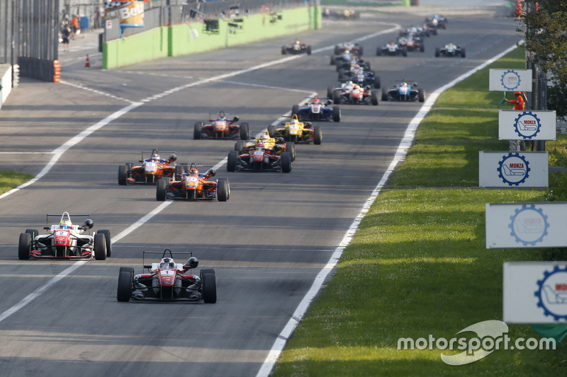Felix Rosenqvist and Jake Dennis, Prema Powerteam Dallara Mercedes-Benz and Mikkel Jensen, Mücke Mot