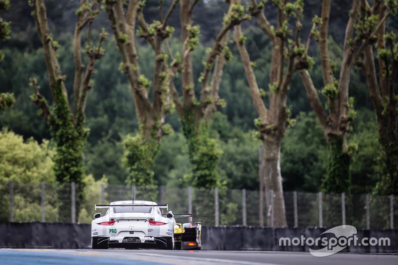 #91 Porsche Team Manthey, Porsche 911 RSR: Richard Lietz, Jörg Bergmeister, Michael Christensen, Sve