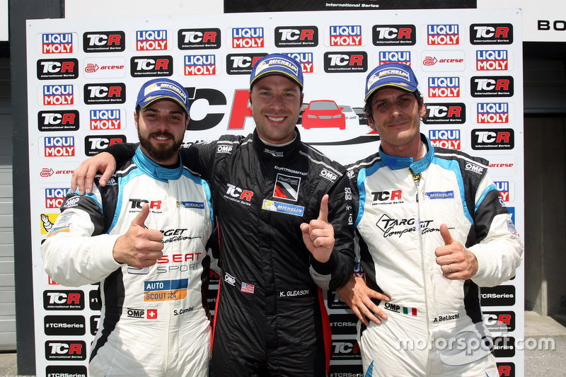 1. Kevin Gleason, Honda Civic TCR, West Coast Racing, 2. Stefano Comini, SEAT Leon, Target Competition, und 3. Andrea Belicchi, SEAT Leon, Target Competition