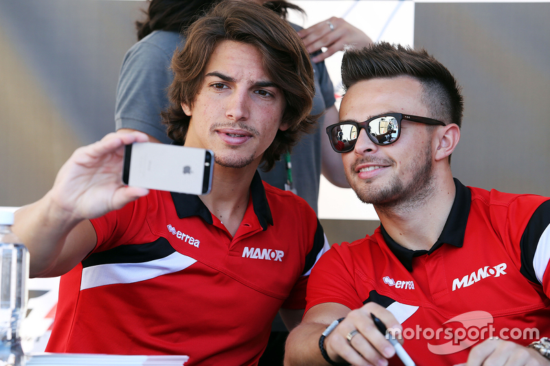 Roberto Merhi, Manor F1 Team, mit Teamkollege Will Stevens, Manor F1 Team