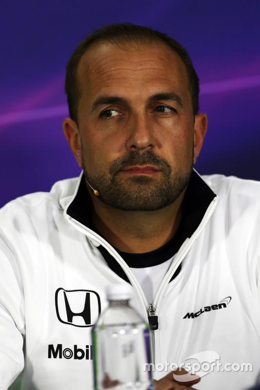 Matt Morris, McLaren, leitender Ingenieur, in der FIA-Pressekonferenz