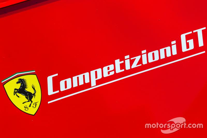 Ferrari Competizioni GT, Transporter mit Logo
