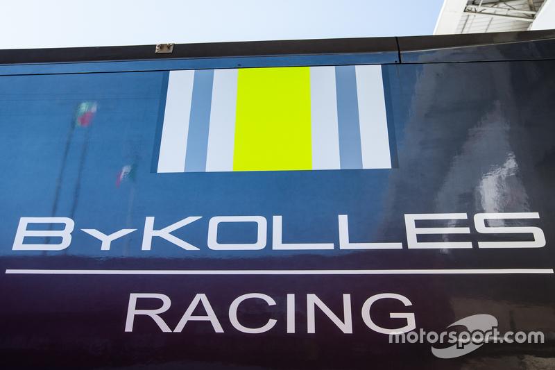 Transport dan logo / signage ByKolles Racing