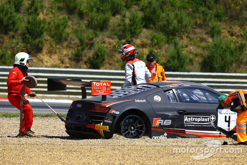 #4 Belgian Audi Club Team WRT, Audi R8 LMS Ultra: Frank Stippler, James Nash mit Abflug am Start