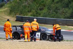 #4 Belgian Audi Club Team WRT Audi R8 LMS Ultra: Frank Stippler, James Nash keluar dari lomba setelah start