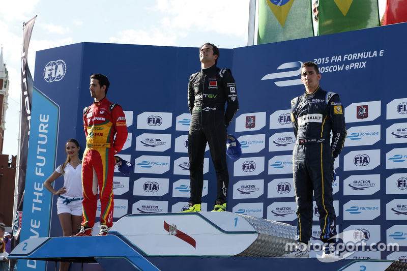 Podium: second place Lucasi di Grassi, Audi Sport Team Abt and winner Nelson Piquet Jr., China Racin