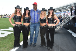 Jugador de la NFL Charles Haley con los Great American Sweethearts