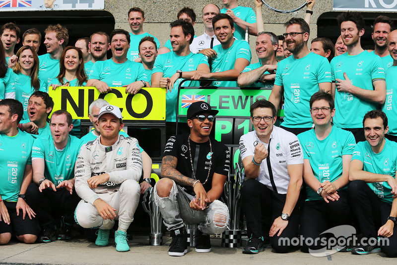Race winner Lewis Hamilton, Mercedes AMG F1 celebrates with second placed team mate Nico Rosberg, Me