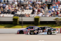 Clint Bowyer, Michael Waltrip Racing Toyota y Austin Dillon, Richard Childress Racing Chevrolet
