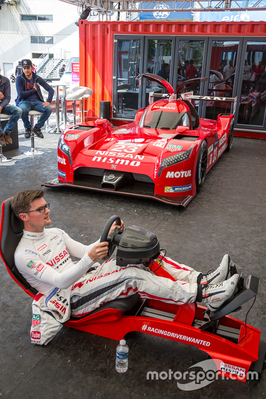 Nissan Motorsports: Alex Buncombe di Playstation