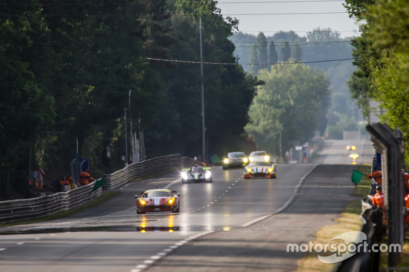 Race action on the Mulsanne Straight