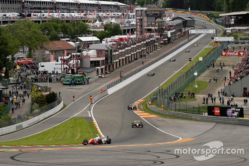 Pace lap: #4 Олівер Роуланд , Fortec Motorsport