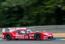 #22 Nissan Motorsports Nissan GT-R LM NISMO: Гарри Тинкнелл, Алекс Банкомб, Михаэль Крумм