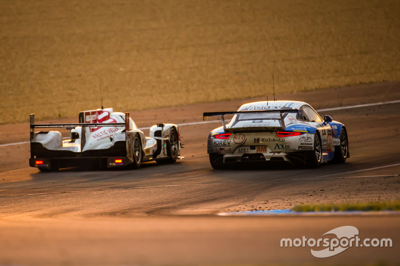#12 Rebellion Racing, Rebellion R-One: Nicolas Prost, Nick Heidfeld, Mathias Beche und #68 Team AAI, Porsche 911 GT3-RSR: Han-Chen Chen, Gilles Vannelet, Mike Parisy