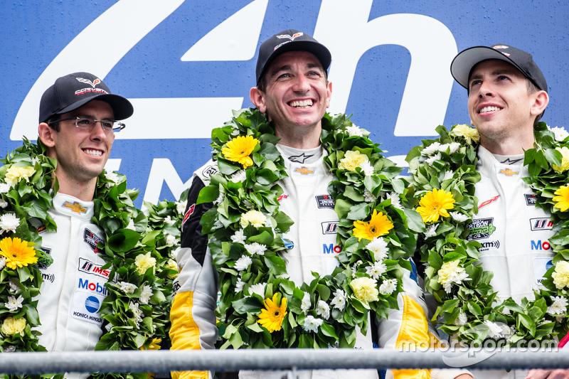 LMGT-Pro-Podium: Klassensieger #64 Corvette Racing, Corvette C7.R: Jordan Taylor, Oliver Gavin, Tomm
