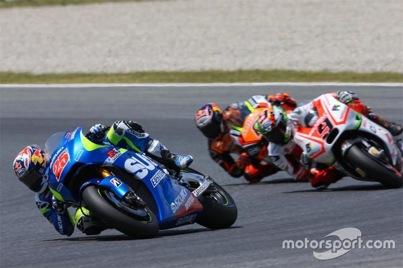 Maverick Viñales, Team Suzuki MotoGP; Danilo Petrucci, Pramac Racing, Ducati, und Stefan Bradl, Forward Racing, Yamaha