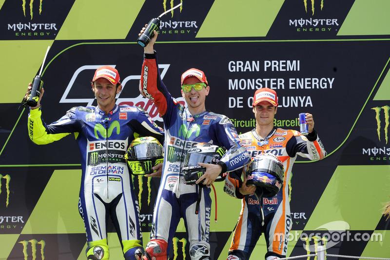 Podio: 1º Jorge Lorenzo, 2º Valentino Rossi, 3º Dani Pedrosa