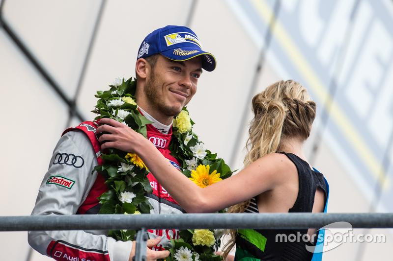 LMP1 podium: third place Audi Sport Team Joest Audi R18 e-tron quattro: Andre Lotterer